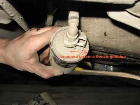 замена топливного фильтра chevrolet lanos 2007 видео