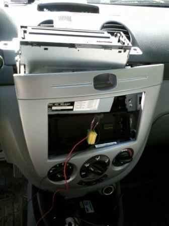 Снятие магнитолы на Hatch\Wagon без климата без снятия бардачка.