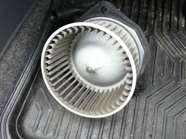 звуки вентилятора отопления
