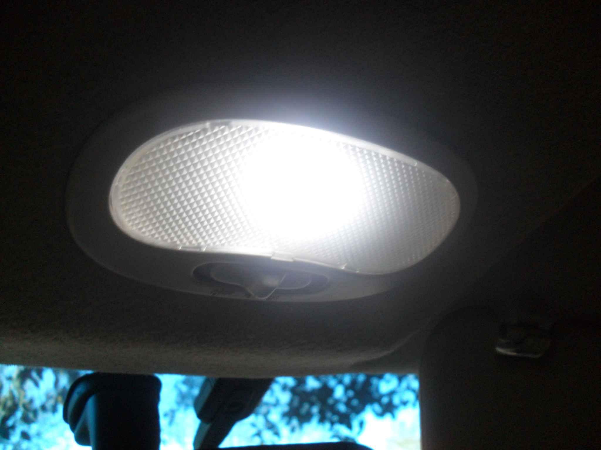 Замена лампочки в салоне Шевроле Авео