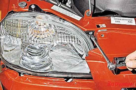 Снятие передней фары Шевроле Нива (Chevrolet Niva)